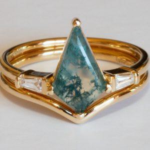 Amara - Kite Moss Agate and diamond ring